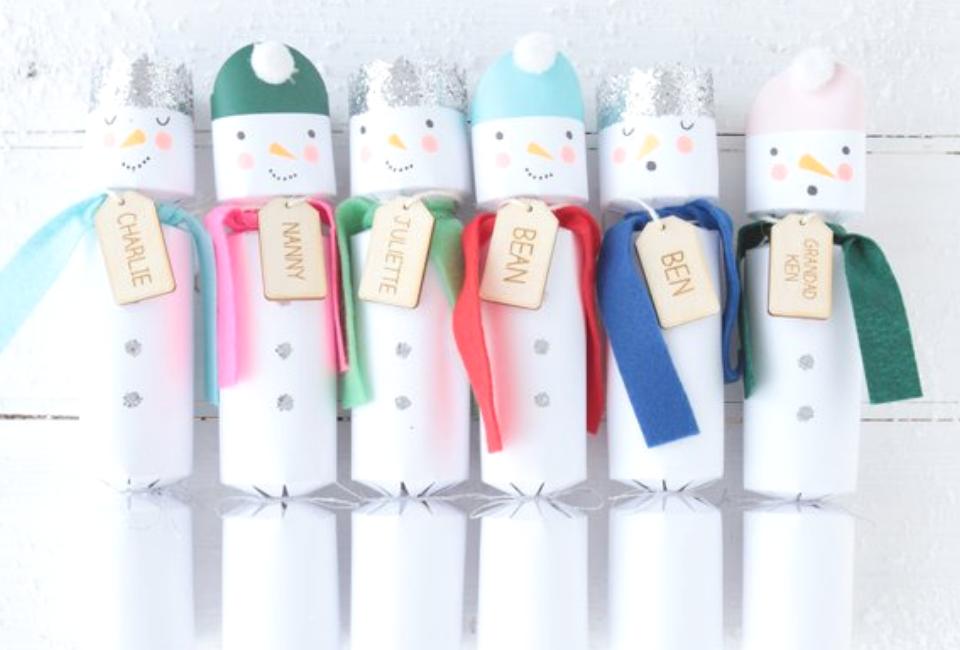 Sneeuwpop christmas crackers zelf maken